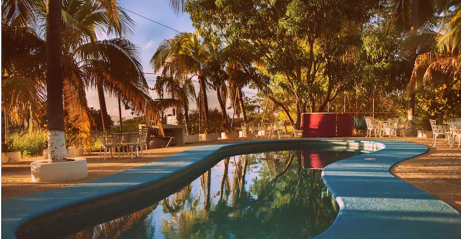 Hostal Shalom Puerto Escondido (Double room +bath)