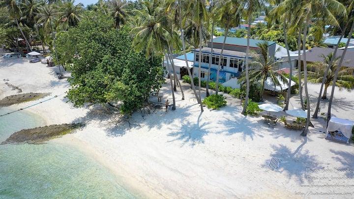 Batuta Maldives Surf View