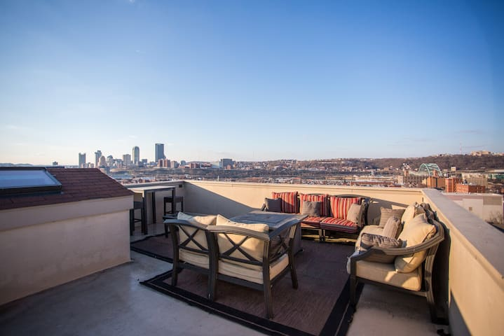 Amazing Home with the Best Rooftop Deck!!