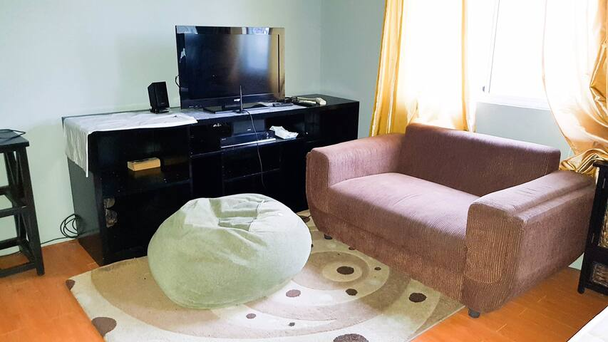 Condo Unit for Rent (Quezon City)