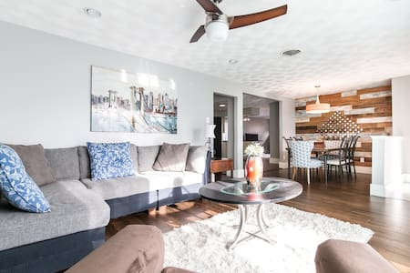 Remodeled home close to Downtown - Dallas