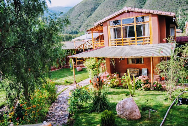Pretty and modern country house in Sacred Valley