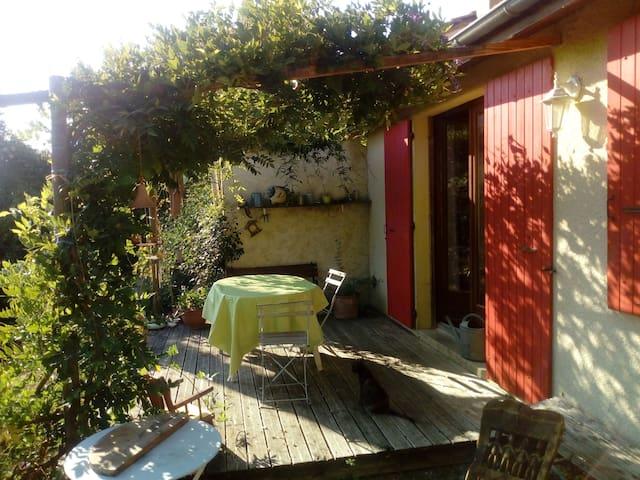 Petite maison au calme de plain-pied