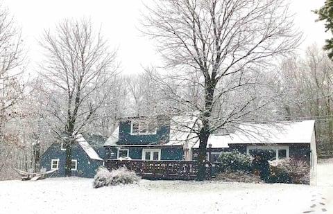 Mountain Chic 3-Bedroom Private Catskills Escape