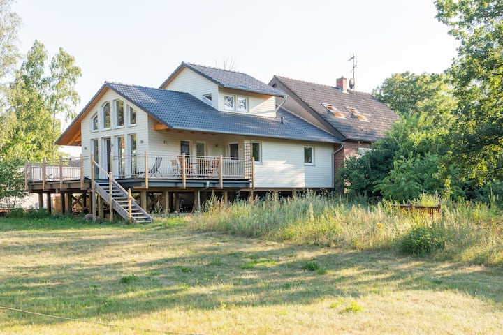 Tranquil Holiday Home in Winsen near the river