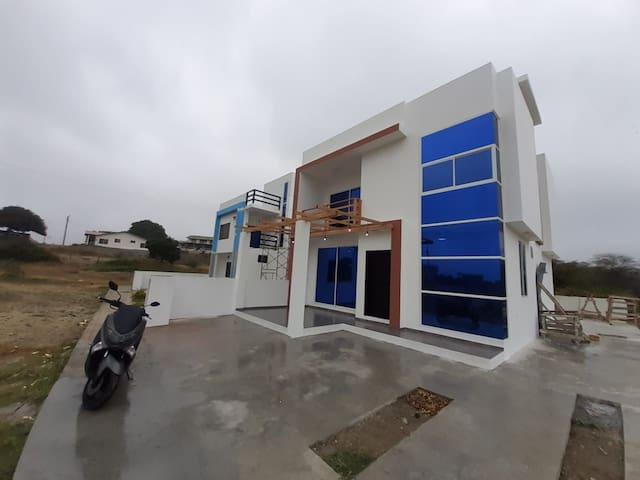 Casa en la playa San Jacinto Manabi