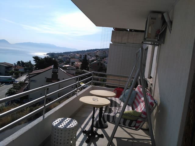 Balcony with barbecue for the dinners with a view