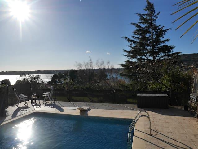 Ambiance Loft entre Provence et Camargue... - Istres - Hus