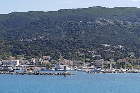 Petit Studio sympa à 200m du port de Macinaggio D - Haute-Corse