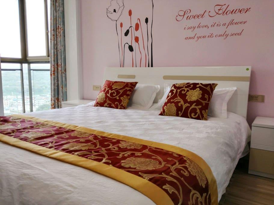 观江卧室。