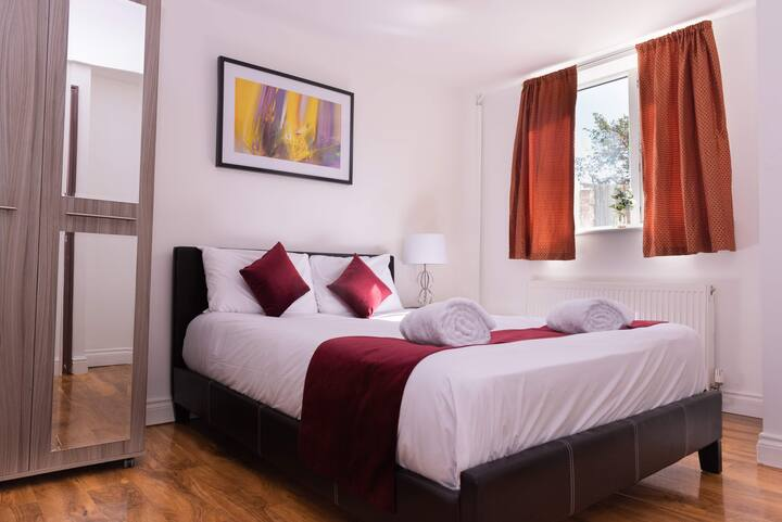 Double Room Perfect for Contractors and Couples