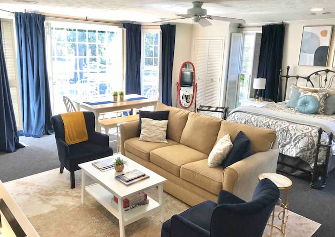 Camellia Corner—Charming & Spacious in Central MGM