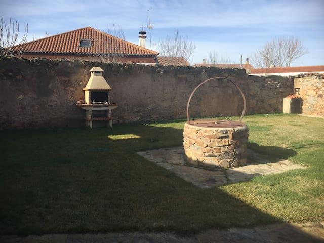 Casa Rural Villarmayor