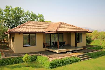 Lake View - Igatpuri - Villa