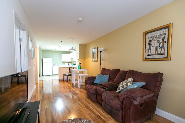 6th Floor Downtown Apt - Daily/Monthly Stays