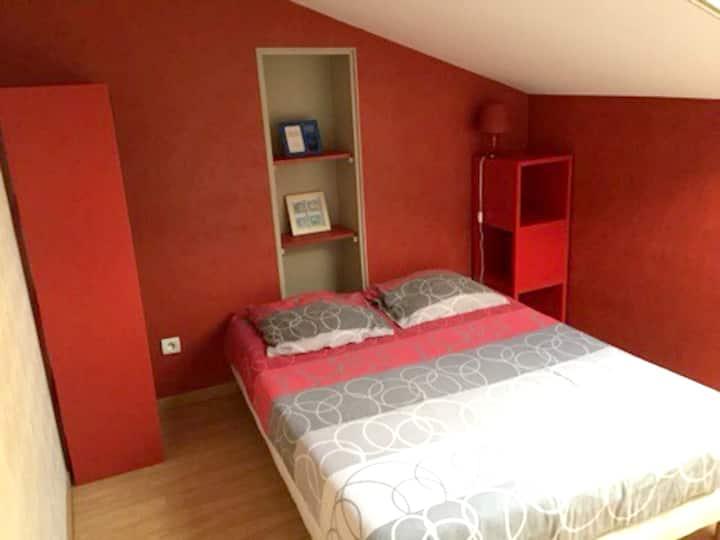 Wohnung mit einem Schlafzimmer in Roanne mit eingezäuntem Garten und W-LAN