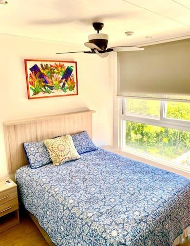 Dormitorio Secundario con tv y aire acondicionado