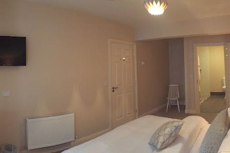 B &B Private Double Ensuite - Clare