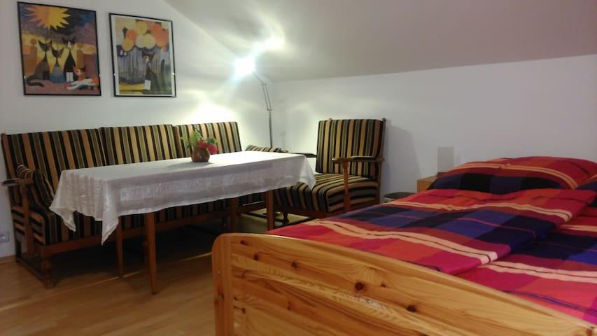 Schönes Zimmer mit gutem Standard in Gartenoase