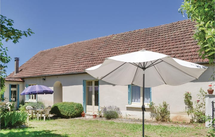 Stunning home in Degagnac with WiFi and 2 Bedrooms