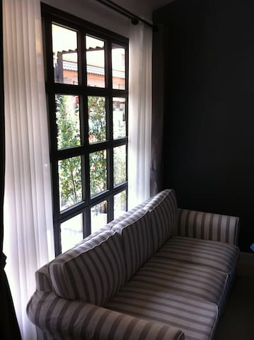 Room by the street @ Tha Pae Gate - Chiang Mai - Huis
