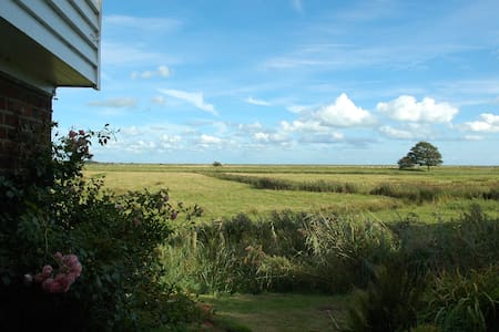 Beautiful Sussex Holiday Beach Cottage - East Sussex - House - 1