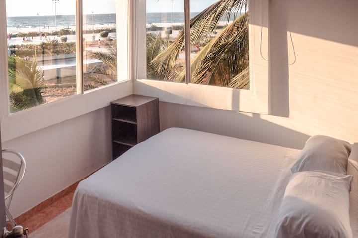 Habitación con vista al mar, AC WiFi Baño privado