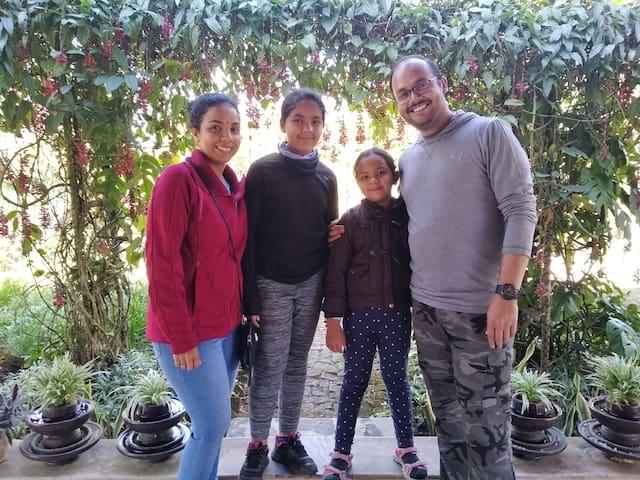 Mr Ravi and family, US