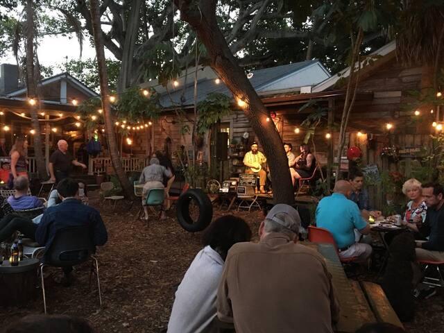 Sarasota Field Guide