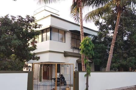 PLEASING AC VILLA FOR RELAXING & CHILLING