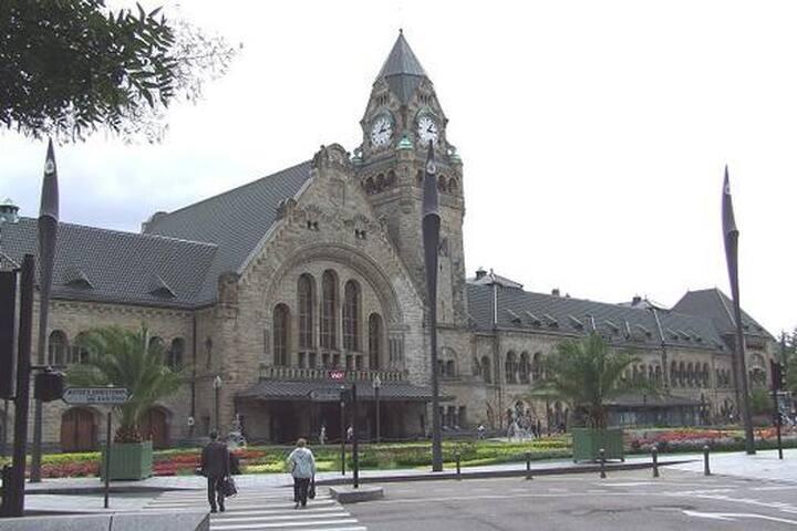 façade principale de la gare de Metz
