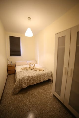 3  Nice and very clean room in Barcelona