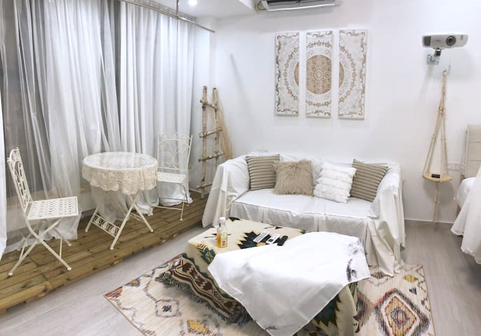 摩洛哥|100寸投影|开放式厨房|大学城商务中心|茶山高教园区|摩洛哥风格暖居,欢迎咨询预定哦~