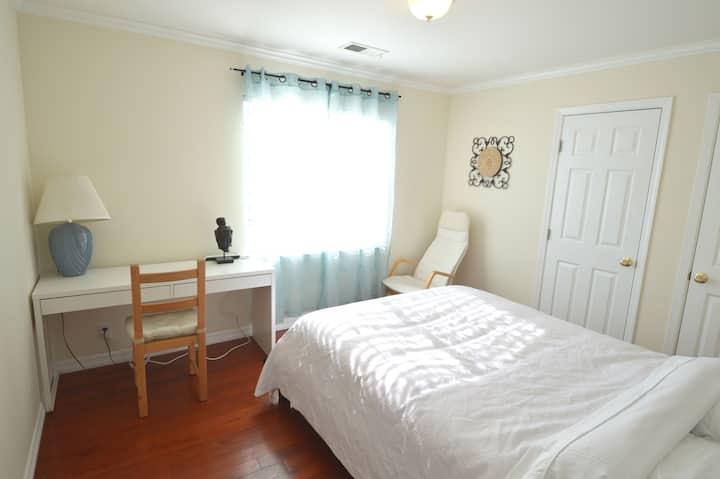 1333F Cozy Queen Bedroom w/ Private Bath near SFO