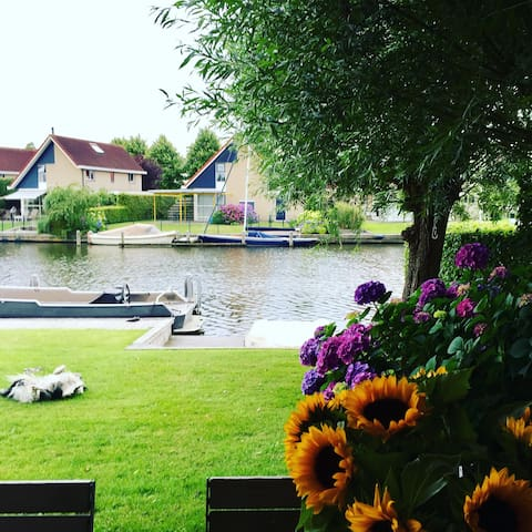 Luxe woning met veranda ah water