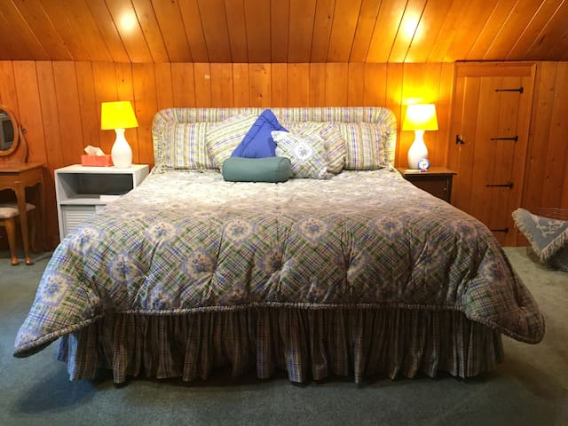 Comfy King Bedroom with Bathroom within the room