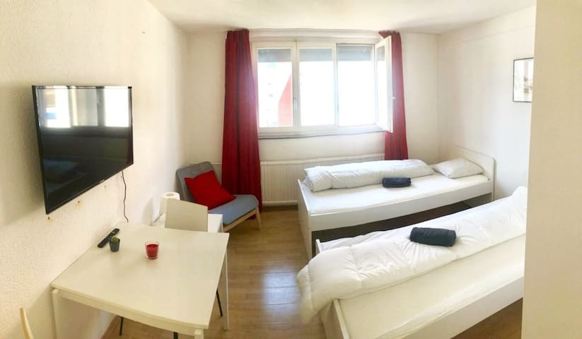 Clean Room (2pax)  BEST Price (Red4)