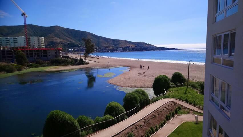 Apartamento con hermosa vista en Punta Puyai