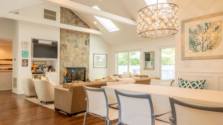 New Listing: Recently Renovated w/ Pool, Media Room, Close to Town & Beaches