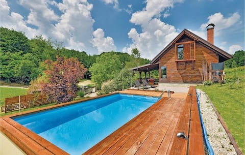 Holiday cottage with 2 bedrooms on 110m² in Seketin