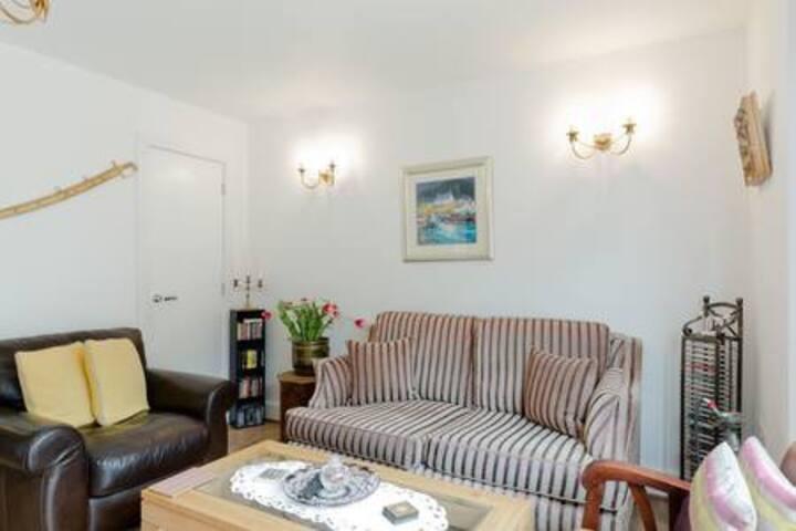 Modern 2 beds home, Windsor, Legoland