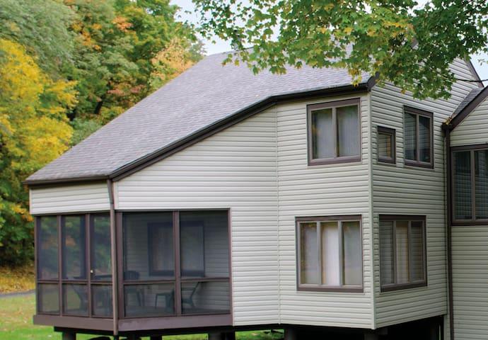 RIver Village II - Timeshare  Condo - Poconos