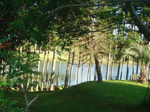 Chácara em condomínio - Segurança - frente p/ lago - Itatiba - Hytte