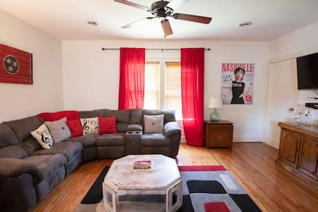 2BR/1BA Long-Term FURNISHED Rental by Vandy