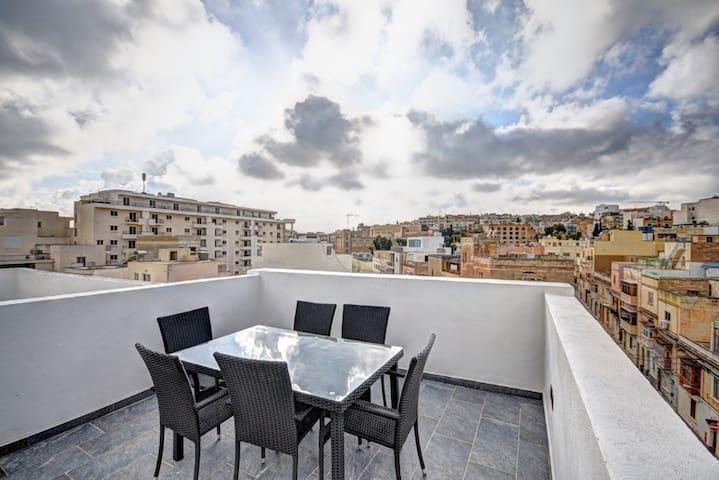 Brand new DUPLEX PENTHOUSE in Sliema/Gzira - Il-Gżira - Appartement