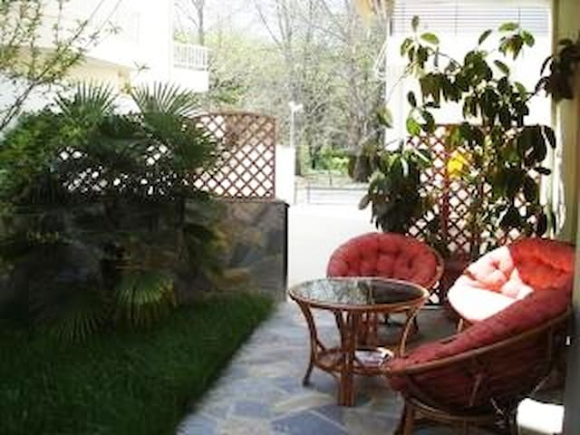 NEI PORI HOUSE SPACIOUS&COMFORTABLE-PRIVATE YARD