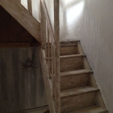 Escalier du 1er étage au 2 eme étage