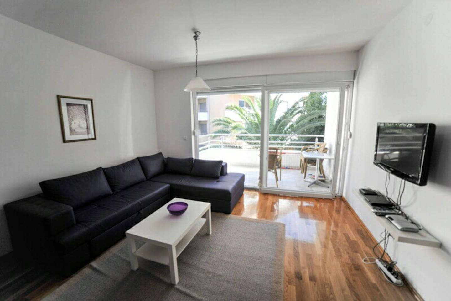 Modern furnishing and a private terrace in the heart of the city