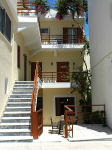 Avra Rooms - Karpathos