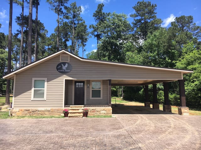 Private Guest Cottage in Nacogdoches!